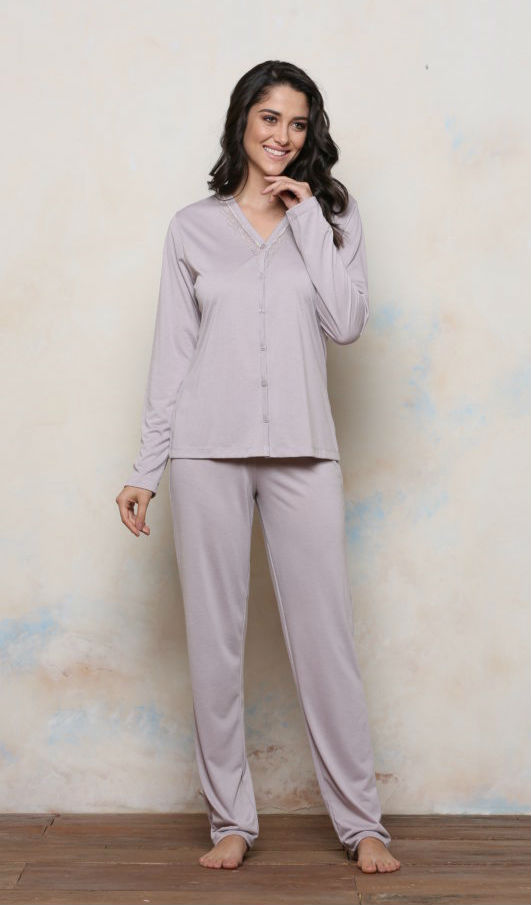 87df02b9a Pijama Plus Size Longo Malha PV com Botões | Kale Lingerie