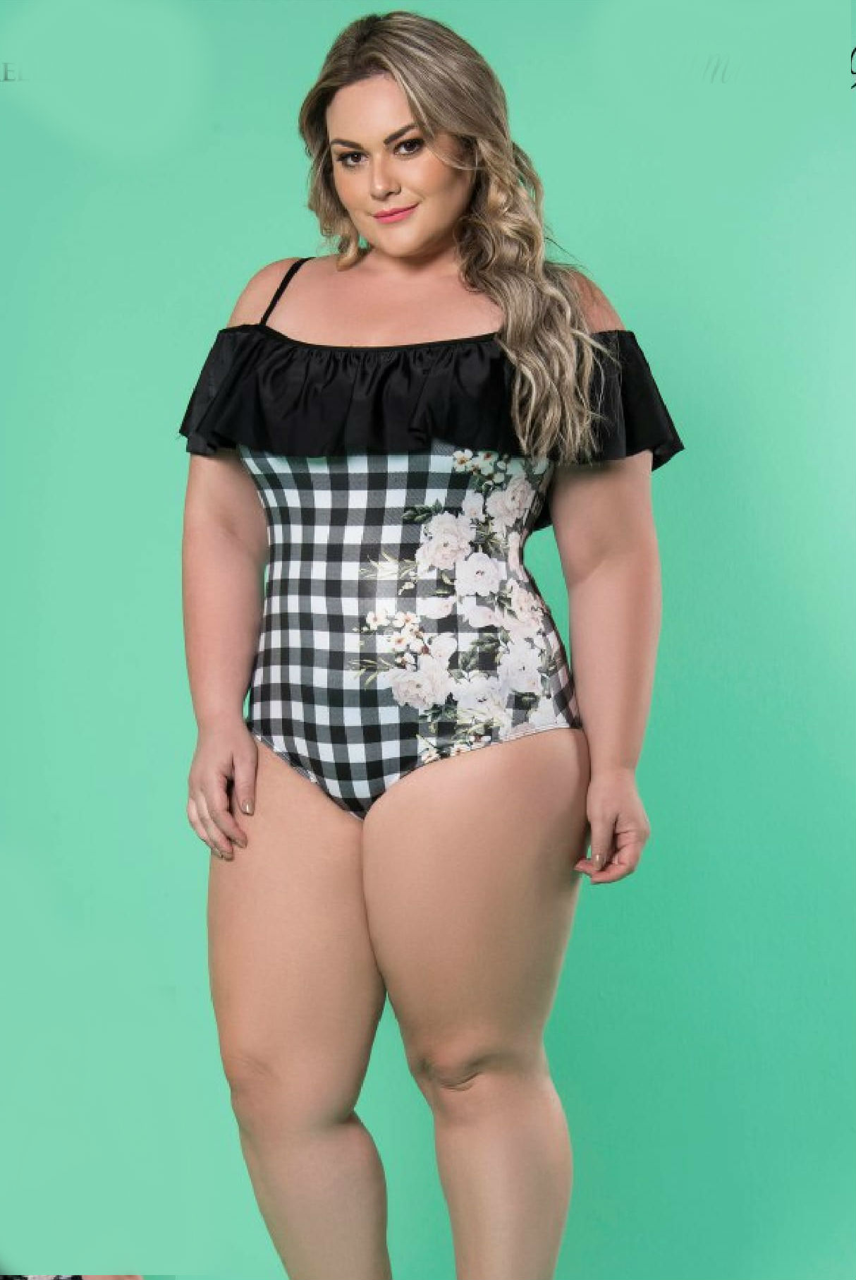 Maio Plus Size com Babado Xadrez